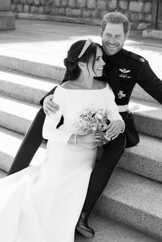 The official photos of the royal wedding between Prince Harry and Meghan Markle a.a Duke and Duchess of Sussex are out. Prince Harry Et Meghan, Meghan Markle Prince Harry, Princess Meghan, Meghan Markle Stil, Estilo Meghan Markle, Harry And Meghan Wedding, Harry Wedding, Princess Wedding, Wedding Bride