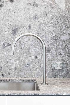 #kitche #faucet #minimal #marble backsplash