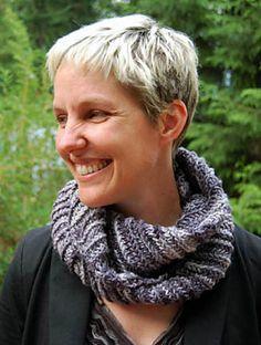 Metamorph by Jeny Staiman, free knit cowl pattern