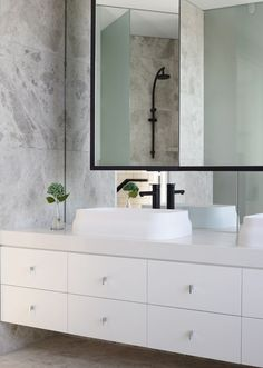 Smartstone's Absolute Blanc is the most refined white quartz surface available, making it a popular choice for pure white kitchen benchtops. Coastal Decor, Hamptons Decor, Laundry Decor, Beautiful Bathrooms, Beach Style Decorating, Laundry In Bathroom, Bathroom Vanity Tops, Dream Kitchen, Bathroom