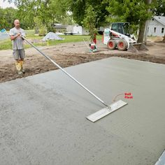 We tagged along with a professional mason to learn how to pour a perfect concrete slab. Pouring Concrete Slab, Poured Concrete Patio, Concrete Tools, Concrete Steps, Concrete Driveways, Concrete Projects, Concrete Edging, Diy Concrete, Solid Sheds