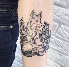 Stunning Forearm Fox Tattoos For Women