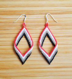 Boucles losange torsade perles Miyuki rouge en argent 925 : Boucles d'oreille par ccedille-bijoux