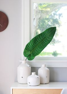 Large Artificial Tropical Elephant Ear Leaf in Green Tall Green Plants, Cactus Plants, Green Dining Room, Beach Wedding Centerpieces, Vase Arrangements, Elephant Ears, Tall Vases, Tropical Leaves, Artificial Plants