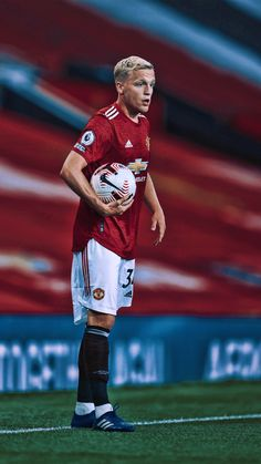One Love Manchester United, Manchester United Players, Manchester United Wallpapers Iphone, Football Player Costume, Total Ab Workout, Man Utd Fc, Messi Photos, Man United, Cristiano Ronaldo