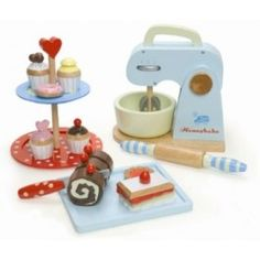 Have a little one who loves to watch you bake? Then they'll love the Le Toy Van Baking Set! This set comes with all that you need to make imaginary cookies and cakes.