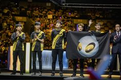 "Dignitas Cop on Summer: ""As a player you have the full respect of your team. As a coach? Its kind of hard to gain that. Its hard."" https://www.redbull.com/us-en/dignitas-cop-keane-gauntlet-boston-coaching #games #LeagueOfLegends #esports #lol #riot #Worlds #gaming"