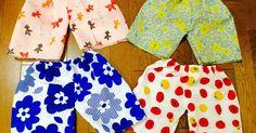 100均の手ぬぐいで、昨年は娘のスカート兼チュニックを色んな柄でたくさん作りました。その時の記事がこちら↓ https://kurashinista.jp/articles/detail/24167 今年も、また新たに可愛い柄の手ぬぐいがたくさん出てきたので、気に入った柄の手ぬぐい数種類買い込み、またこれを作る気満々だったのですが、娘はスカートはすでにたくさん持っているし、スカートを履く時はブルマも履くので、トイレの時も大変だし、夏は蒸れそうで、、、 なので、ズボンの方がたくさんあると便利だな〜と思ったのですが、去年のスカートは裁縫ビギナーの私にも簡単だけど、ズボンは型紙もいるだろうし、難しいかな? 、、、と思いつつ、一応ネットで作り方を調べてみると、色々な作り方の中で、型紙なしでもズボンが作れることが分かったので、試しに作ってみました! 作ってみたら、めーちゃくちゃ簡単! 最初の1枚目は、作り方を確認しながらなので30分くらいかかりましたが、要領を得てからの2枚目以降は10分くらいで出来ました。 こんなに簡単なら、お兄ちゃんの時にも作ってあげれば良かったー!…