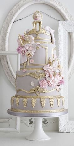 This wedding cake looks like it just came out of a story book!