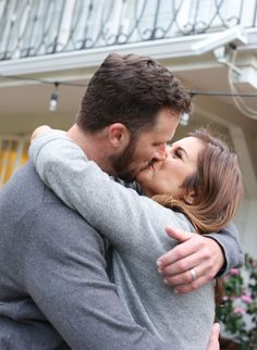 Blessed with Blue / Tiffani Thiessen Expecting Second Child / Photography by Elizabeth Messina