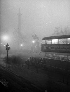 Smog 1952 Trafalgar Square London