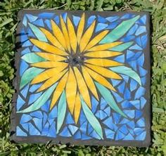 diy garden stepping stones {DIY or Buy} How to Make a Garden Mosaic Stepping Stone - Or Where To Buy if Your Plate is Full Mosaic Garden Art, Mosaic Tile Art, Mosaic Vase, Mosaic Diy, Mosaic Crafts, Mosaic Rocks, Mosaic Stepping Stones, Stone Mosaic, Pebble Mosaic