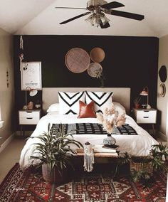 50+ Adorable Pallet Bed Ideas You Will Love - Crafome Master Bedroom Design, Dream Bedroom, Home Decor Bedroom, Master Master, Master Bedrooms, Bedroom Ideas, Master Bedroom Decorating Ideas, Bedroom Interior Design, Interior Design Masters