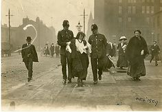 Suffragettes Protest, University of Manchester 1909
