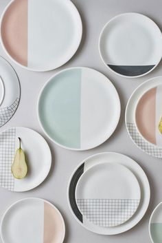 Grid Tableware by Lollipop Studio -Perfectly Curated Tableware Compositions That Make Us Calm - Design Milk Pottery Painting, Ceramic Painting, Diy Painting, Ceramic Art, Ceramic Plates, Ceramic Pottery, Clay Plates, Keramik Design, Deco Originale