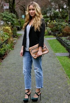 Boyfriend Jeans For Comfortable And Relaxed Style..for evening home parties