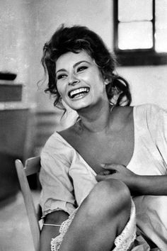 Actress Sophia Loren Laughing While Exchanging Jokes During Lunch Break on a Movie Set Premium Photographic Print by Alfred Eisenstaedt at Carlo Ponti, Gina Lollobrigida, Clark Gable, Marlon Brando, Cary Grant, Vintage Photographs, Vintage Photos, Marilyn Monroe, Mona Lisa