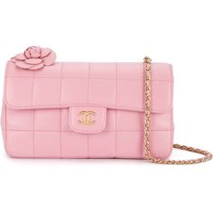 Chanel Vintage quilted Camellia shoulder bag ($4,969) ❤ liked on Polyvore featuring bags, handbags, shoulder bags, pink quilted purse, shoulder handbags, pink purse, chanel handbags and quilted shoulder bags