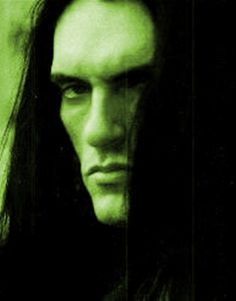 this man had a voice. peter Steele damn he is not there anymore RIP Type 0 Negative, Dark Romance, Alexi Laiho, Doom Metal Bands, Peter Steele, Vintage Goth, Gothic, Dark Ages, Green Man