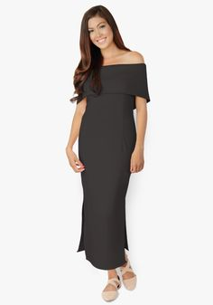 One of the most beautiful maxi dresses ever been created. Neoprene fabric, shoulder hugging, features side slits at the bottom. One word – stunning!