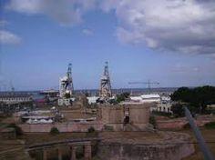 Palermo: Waterfront + Riutilizzo delle gru dismesse nel porto antico della città