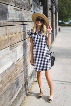 30 Perfect Gingham Outfit Ideas For Summer Where we will have to look a lot at times the trend of fashion where some friends of our environment give importance and others not so much if not that they mark their own fashion, Picnic Outfits, Summer Outfits, Summer Dresses, Summer Shoes, Womens Fashion Casual Summer, Spring Summer Fashion, Weekend Fashion, Casual Dresses, Fashion Dresses