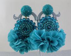 Artículos similares a Elanna Turquoise Beaded Tassel Earrings en Etsy Beaded Necklace Patterns, Beaded Tassel Earrings, White Earrings, Etsy Earrings, Bead Embroidery Jewelry, Beaded Embroidery, Bead Jewellery, Beaded Jewelry, Azul Tiffany