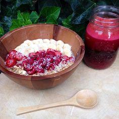 «Beet apple carrot juice ➕ raw granola with bananas, thawed raspberries and strawberries and banana 'mylk'. Perfect brain fuel✌️»