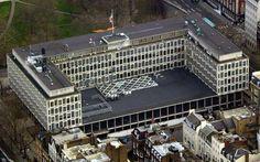 The American embassy in London's Grosvenor Square/ Eero Saarinen