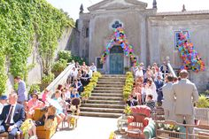 The Quinta- My Vintage Wedding in Portugal Bright and vivid balloons decorating the forefront. #weddingdestinationportugal #vintageweddingportugal #vintagewedding #thequinta #weddingdecoration #weddingceremonyportugal