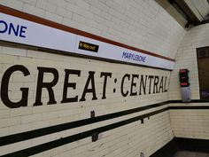 Great Central tiling show the original name of Marylebone Tube Station, Bakerloo Line. Marylebone Railway Station was the London terminus of the Great Central Railway from This station was opened in 1907 and renamed Marylebone in Underground Lines, London Underground Tube, Tube Stations London, Jubilee Line, Elephant And Castle, Exterior Signage, Piccadilly Circus, London Transport, London Calling