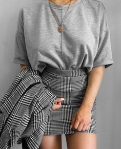 korean fashion outfits which is hot. Mode Outfits, Skirt Outfits, Trendy Outfits, Fall Outfits, Summer Outfits, Fashion Outfits, Fashion Ideas, Fashion Clothes, Formal Casual Outfits
