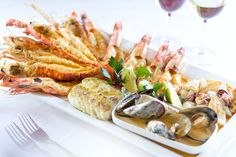 Pigalle, Johannesburg with restaurants at the Sandton Towers, Michelangelo. Seafood Platter, New Flavour, Twitter, Food To Make, Catering, Dining, Recipes, Michelangelo, Towers