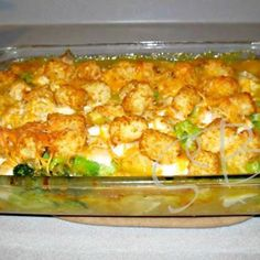 Cheesy Chicken Broccoli & Tater Tot Bake @keyingredient #cheese #cheddar #soup #delicious #chicken #cheesy