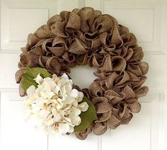 Rustic tan burlap wreath accented with a cream hydrangea, Rustic burlap wreath, Rustic outdoor decor, Rustic spring burlap wreath, Farmhouse – Wreath Burlap Projects, Burlap Crafts, Wreath Crafts, Diy Crafts, Diy Projects, Flower Crafts, Diy Fall Wreath, Holiday Wreaths, Wreath Ideas