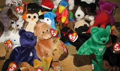 If You Have These 12 Beanie Babies, You Might Be Able To Retire Now! Sell Beanie Babies, Valuable Beanie Babies, Beanie Babies Value, Ty Babies, Beenie Babies, Beanie Baby Prices, Beanie Baby Collectors, Peace Beanie Baby, Princess Diana Bear