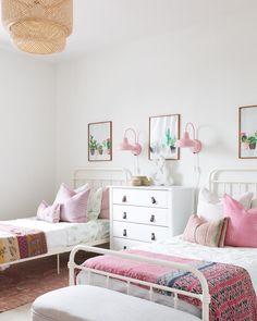shared girl bedroom decor, girl bedroom with two beds, pink boho girl bedroom Room, Shared Bedrooms, Shared Girls Room, Toddler Bedrooms, Kids Bedroom Designs, Home Decor, Shared Room, Bedroom Decor, Big Kids Room