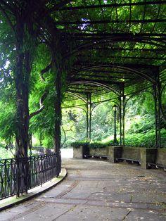 Central Park: Conservatory Garden