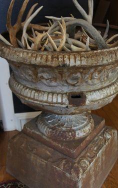 BLOG.UPSCALEDOWNHOME.COM: Urns and Antlers
