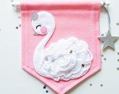 Mini banner de color rosa bebé cisne