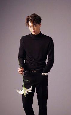 Find images and videos about kpop, exo and kai on We Heart It - the app to get lost in what you love. Kai Exo, Chanyeol Baekhyun, Taemin, K Pop, Seoul, Kim Kai, Kim Jong Dae, Wu Yi Fan, Kim Minseok