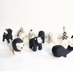 Image result for houten dierenfiguren zwart wit