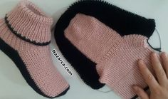Home socks knitting video MKSuper Easy Slippers to Crochet or to Knit - Design Peak - SalvabraniHomemade Simple and Warm Slippers - Crochet KingdomThere's nothing better than coming in from the cold and popping your feet in some soft and warm slipp Ther Crochet Slipper Boots, Knit Shoes, Knitted Slippers, Knitted Gloves, Knitting Socks, Baby Knitting, Crochet Shoes Pattern, Shoe Pattern, Baby Born Clothes