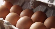 Στους περισσότερους έχει συμβεί να ξεχάσουν μερικά αυγά στο ψυγείο για παραπάνω μέρες και τελικά αυτά να λήξουν και να πρέπει να το πετάξουν. Αν σας συμβεί