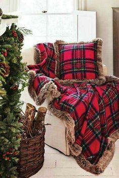 Tartan Christmas, Classy Christmas, Plaid Christmas, Rustic Christmas, Christmas Home, Christmas Holidays, Christmas Crafts, Cheap Christmas, Christmas Ideas