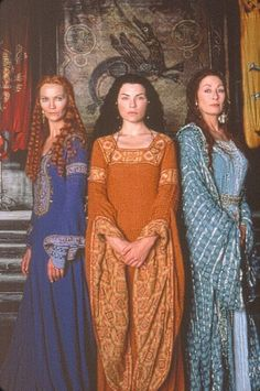 Joan Allen, Julianna Margulies and Anjelica Huston in 'The Mists of Avalon' -- yes, it's an unworthy adaptation of the book, but I'd watch Anjelica and Joan play sisters in anything and the maiden-mother-crone styling of this photo makes me smile.