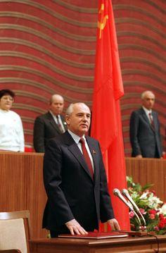 Mikhail Gorbachev, Wladimir Putin, Great Leaders, Framed Prints, Canvas Prints, Soviet Union, A4 Poster, Photo Greeting Cards, Poster Size Prints