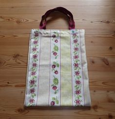 Stofftasche, beige mit Blumen 12 € Nr. 209