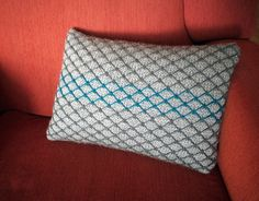 FREE PATTERN: Chainlink Cushion designed by Dayana Knits for Rowan Pure Wool Worsted.  Ravelry page: http://www.ravelry.com/projects/dayana/chainlink-cushion