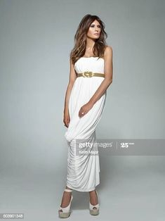 Melania Knauss Trump, White Fashion, I Love Fashion, Womens Fashion, Fashion Design, Melania Trump Pictures, Malania Trump, Trump Train, Donald And Melania